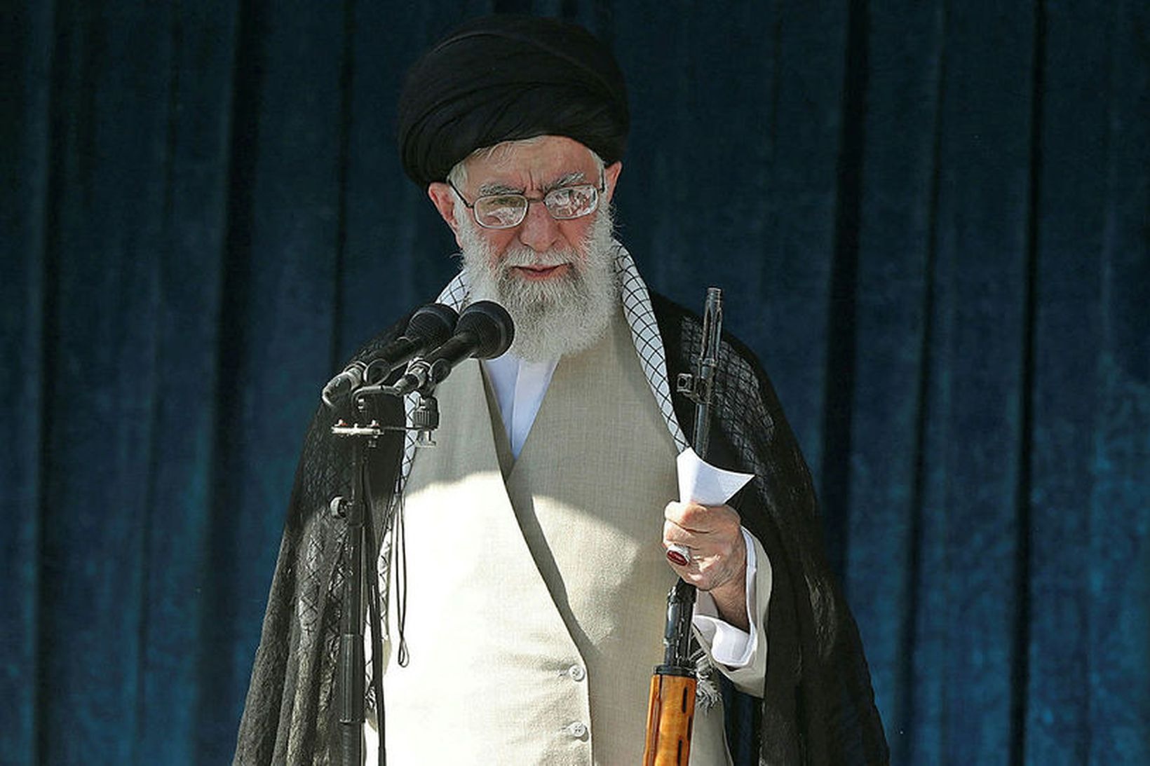 Ayatollah Ali Khamenei fyrr í þessum mánuði.