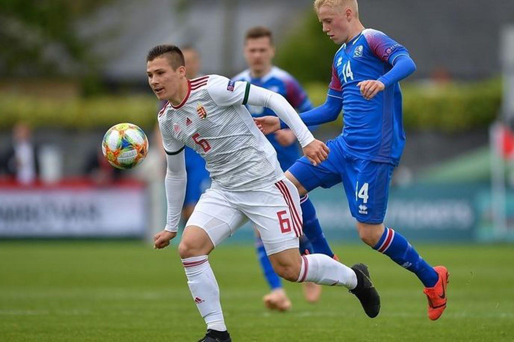 Hákon Arnar Haraldsson í leik með U17 ára landsliði Íslands.