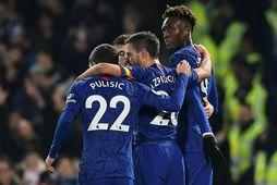 Leikmenn Chelsea fagna marki gegn Aston Villa í vikunni. Félagaskiptabann félagsins var stytt í dag, ...