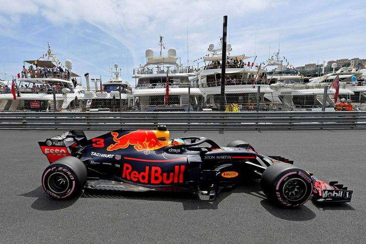 Daniel Ricciardo á æfingunni í Mónakó í dag.