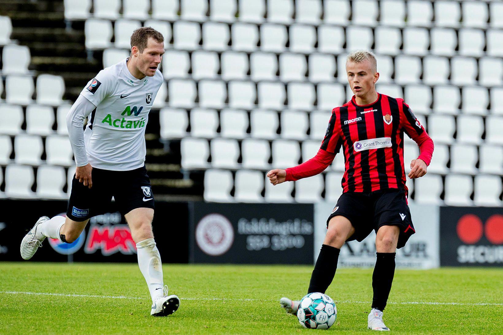 Björn Daníel Sverrisson í leik gegn Víkingi í sumar.