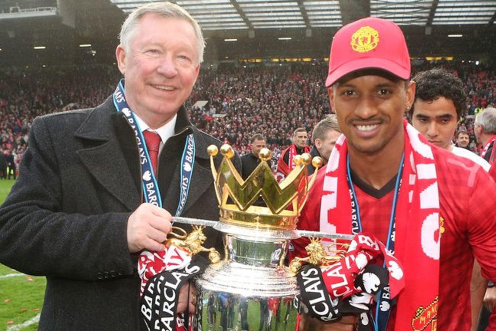 Nani og sir Alex Ferguson voru sigursælir hjá Manchester United.