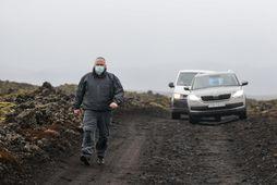 Liðsmaður sérsveitarinnar er hann vísaði fjölmiðlum í burtu.