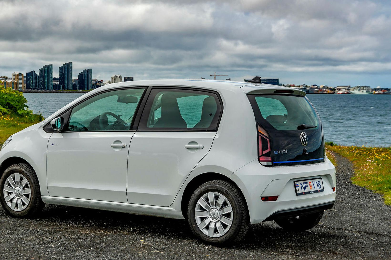 Volkswagen e-up rafbíll.