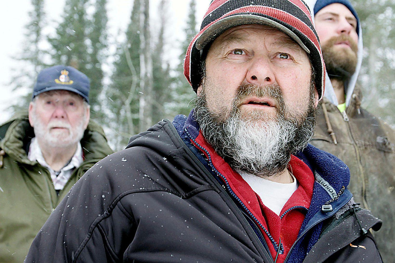 Robert T., Chris og Joel Goodman leggja net sín skammt …