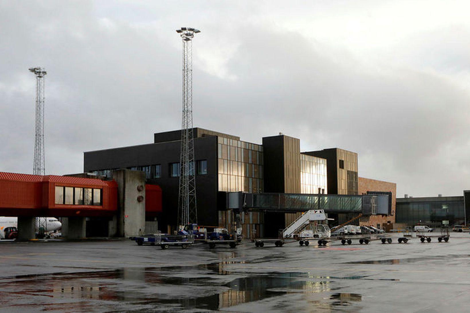 Maðurinn kom til landsins frá Póllandi.