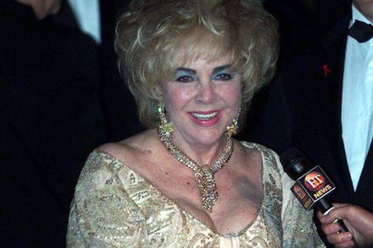 Elisabeth Taylor árið 2002.