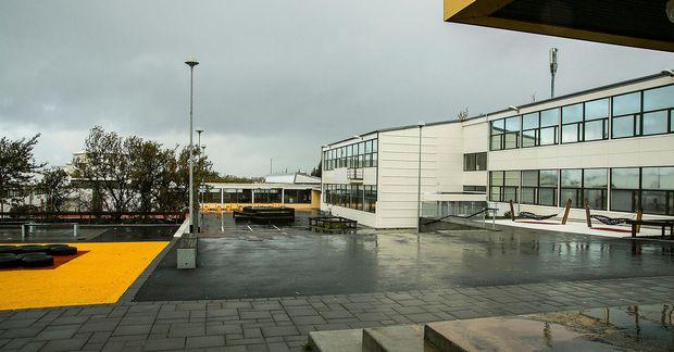 Um 400 unglingar stunda nám í Réttarholtsskóla. Þeir eru allir í úrvinnslusóttkví fram yfir helgi.