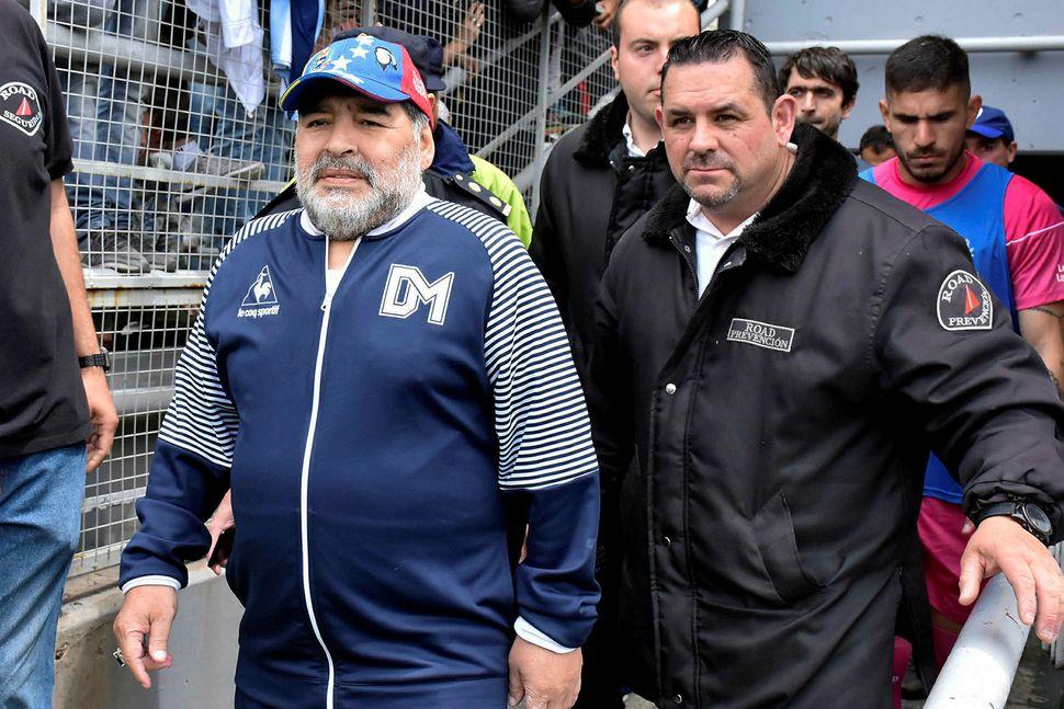 Diego Maradona þarf að finna sér nýja vinnu.