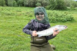 Kári Steinn Örvarsson 11 ára með 60 cm langan, sjö punda maríulaxinn sem hann veiddi …