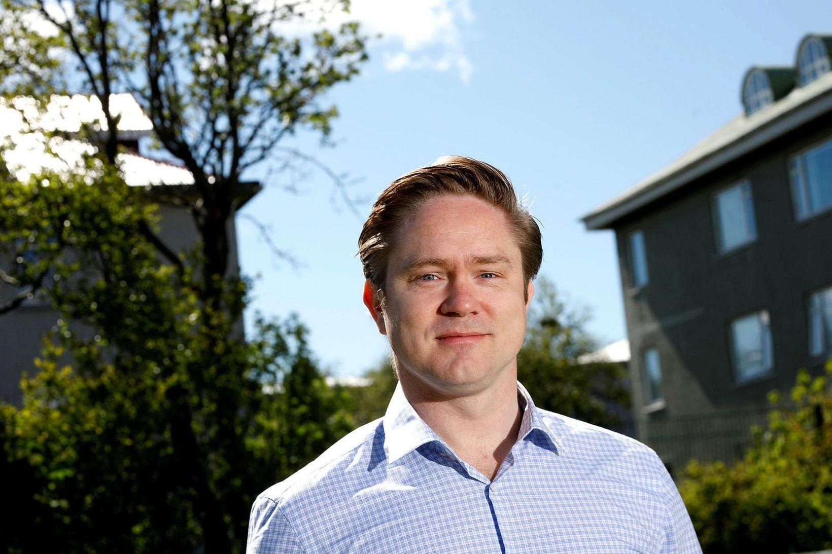 Jóhannes Þorsteinsson tók nýverið við sem yfirmaður fjárstýringar fjarskiptafyrirtækisins T-Mobile …
