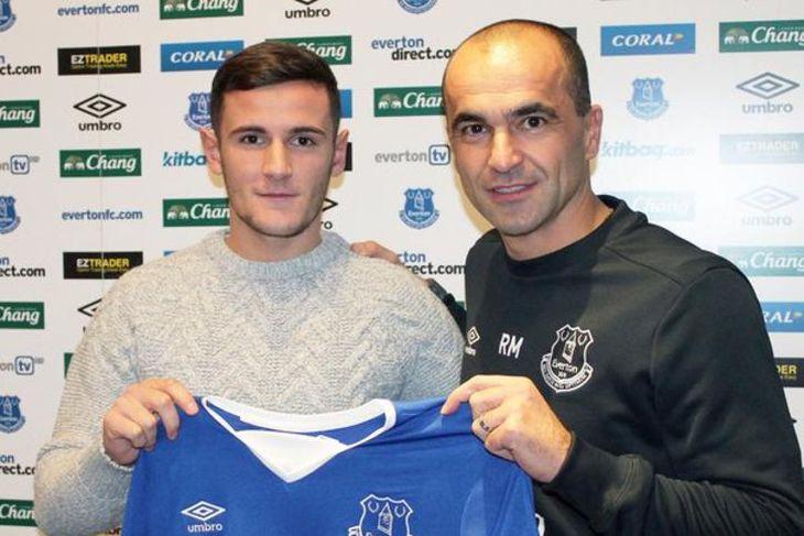 Shani Tarashaj er kominn til Everton frá Grasshoppers í Sviss og hefur samið til hálfs ...