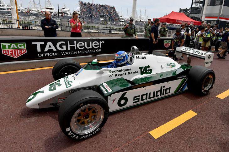 Keke Rosberg klár í Williamsbílnum sem hann vann titil ökumanna á árið 1982.