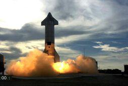Ómönnuð Starship SN10 frá SpaceX hefst á loft í nótt.