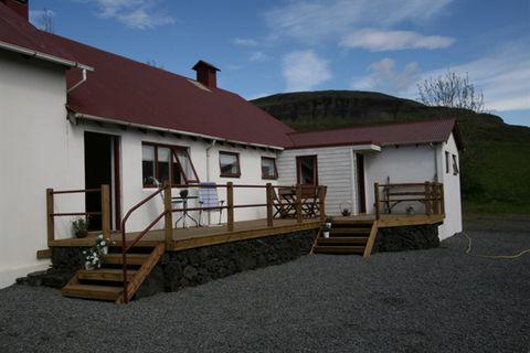 Dalshöfði - Guesthouse