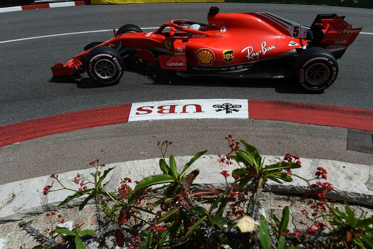 Sebastian Vettel átti stórgóðan lokahring og hefur keppni af öðrum rásstað á morgun.