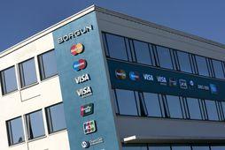 Mikill styr hefur staðið um sölu Landsbankans á ríflega 30% hlut í Borgun en bankinn …