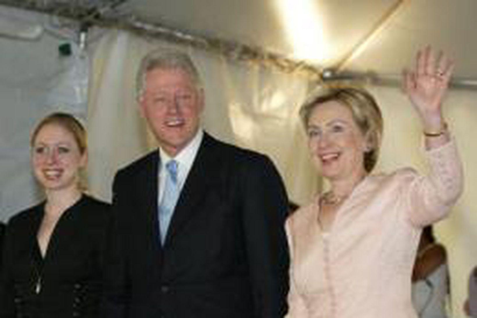 Bill Clinton hefur nóg að gera við að kynna nýútkomna …