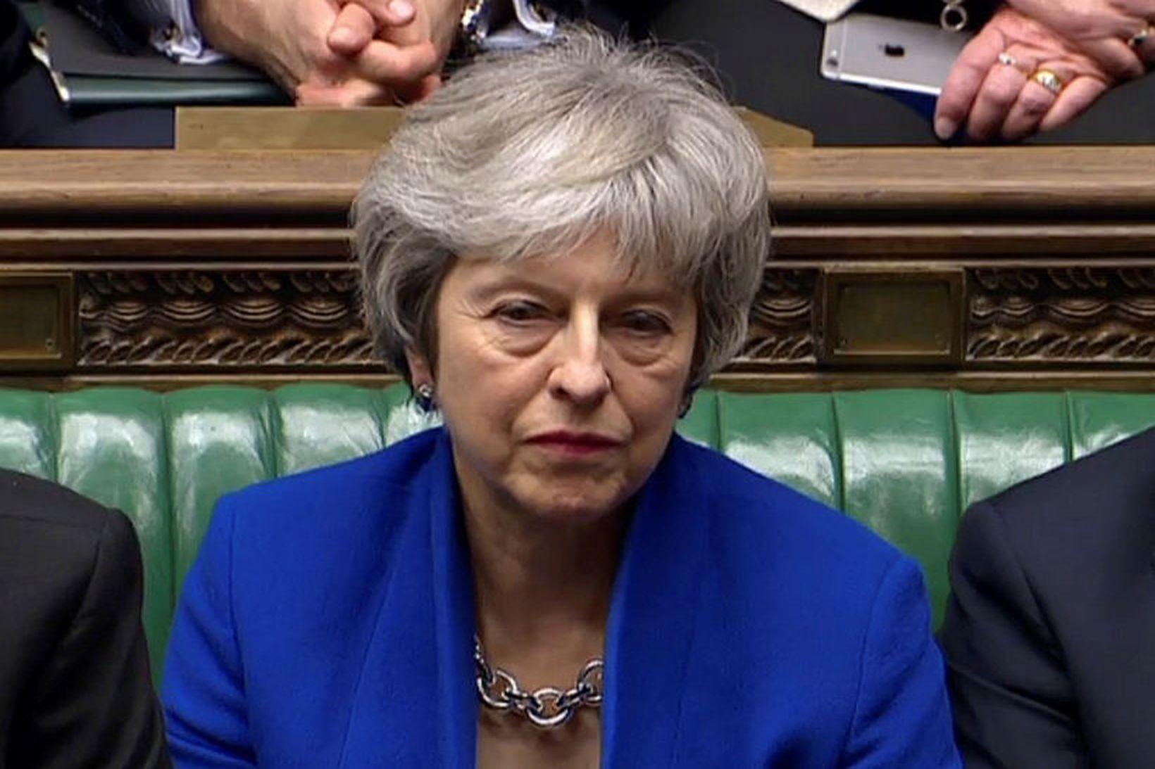 Theresa May, forsætisráðherra Bretlands, í breska þinginu í kvöld þegar …