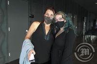 Karen Sanders og Bridget Sanders