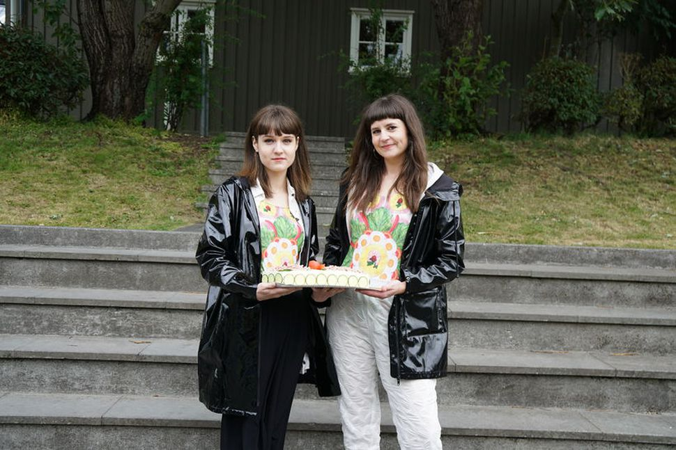 Hönnuðirnir og listakonurnar Valdís Steinarsdóttir og Tanja Levý standa fyrir ...