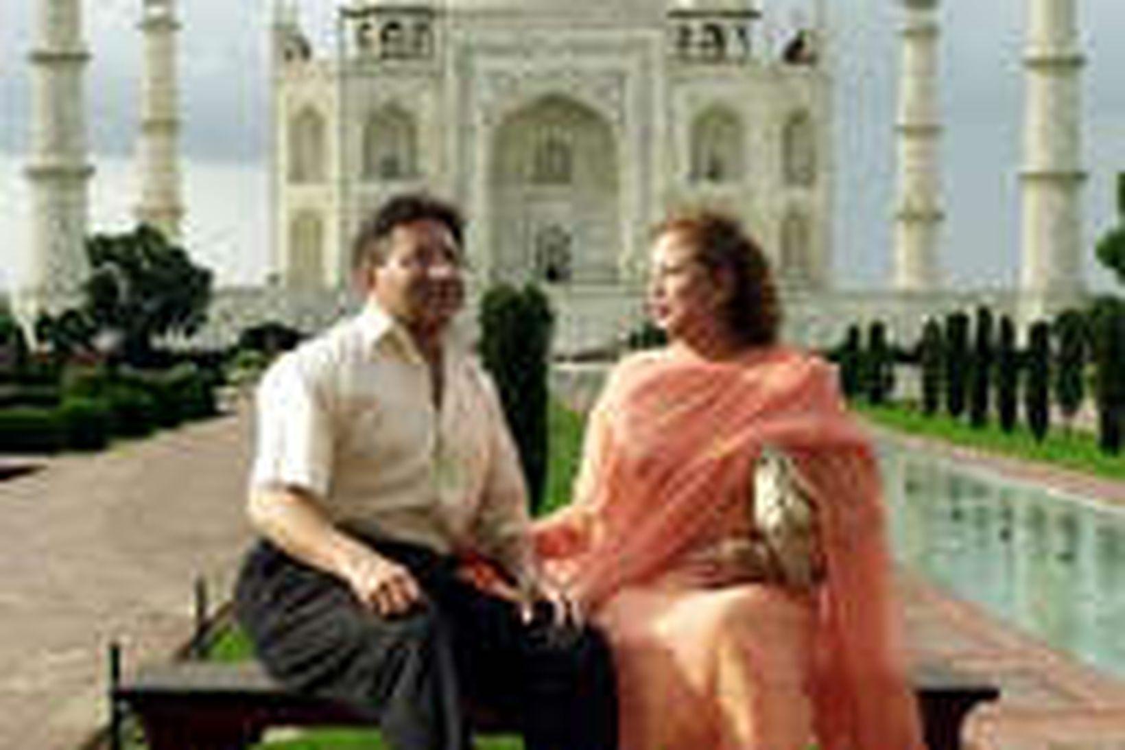 Pervez Musharraf, forseti Pakistans, og eiginkona hans Sehba, stilla sér …