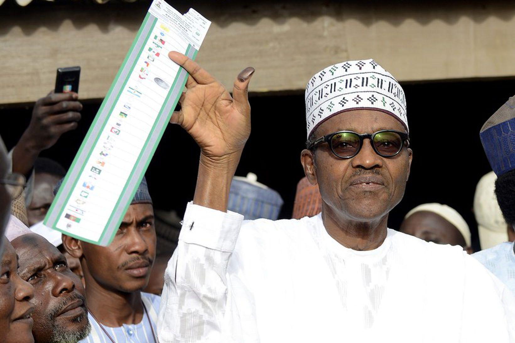 Buhari sigraði í kosningunum, en á tímabili var afar mjótt …