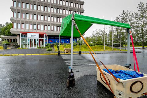 The tent at Suðurlandsbraut 32.