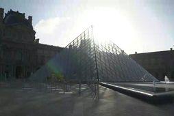 Louvre safnið opnað á ný