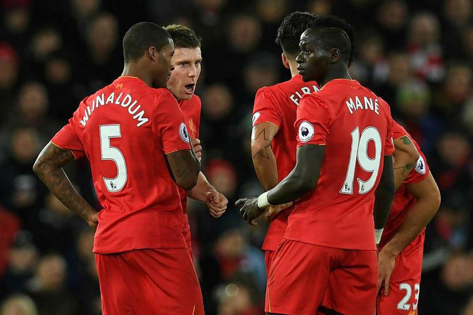 Leikmenn Liverpool fagna marki.