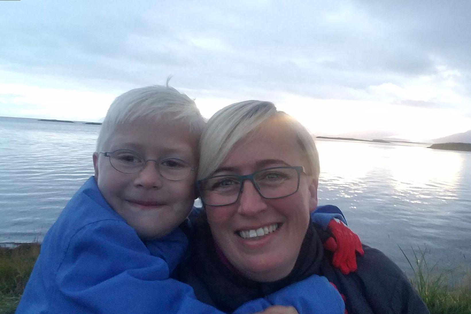 Ægir Þór Sævarsson og móðir hans, Hulda Björk Svansdóttir. Ægir …