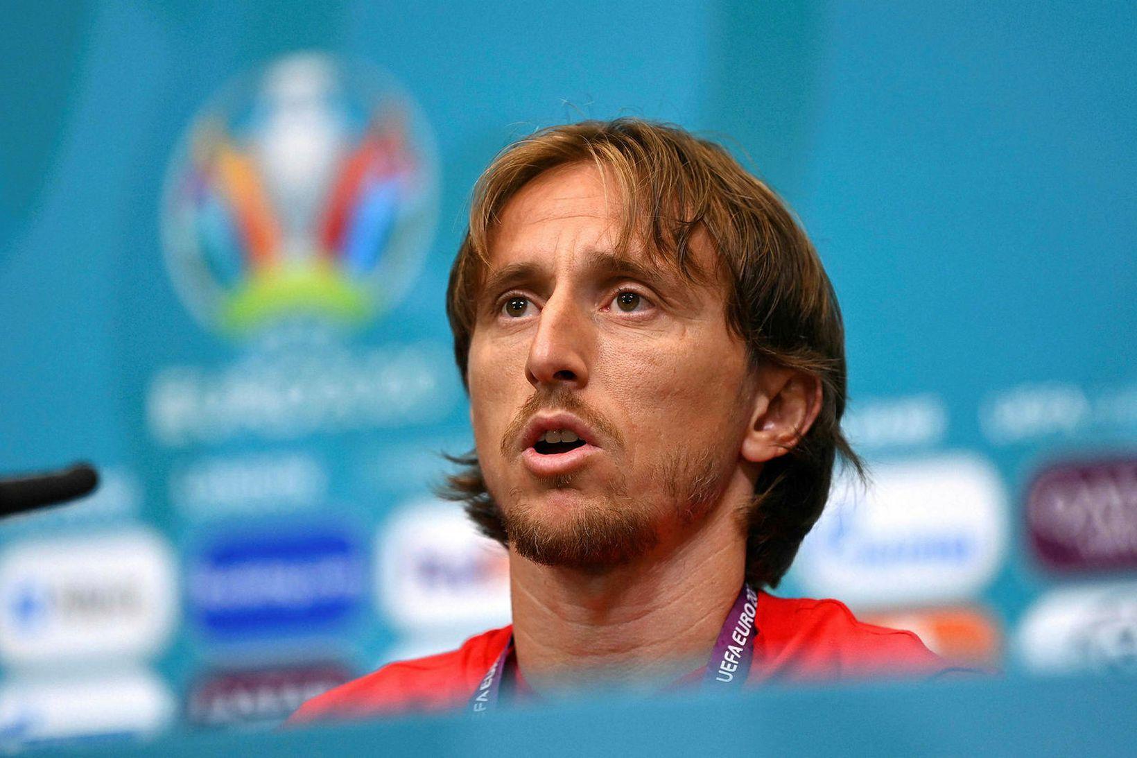 Luka Modric á blaðamannafundi í gær.