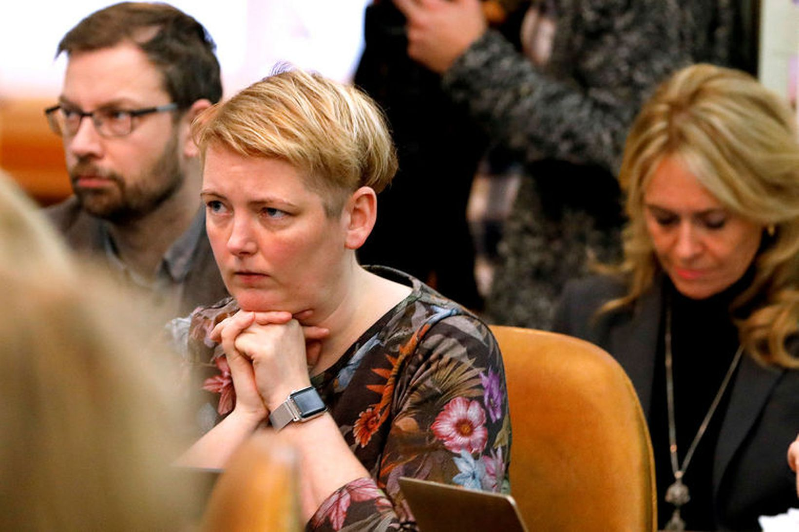 Albertína Friðbjörg Elíasdóttir, þingmaður Samfylkingarinnar og varaformaður atvinnuveganefndar, lítur frumvarpi …