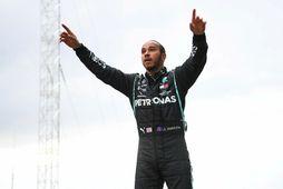 Lewis Hamilton verður sleginn til riddara á næstunni.
