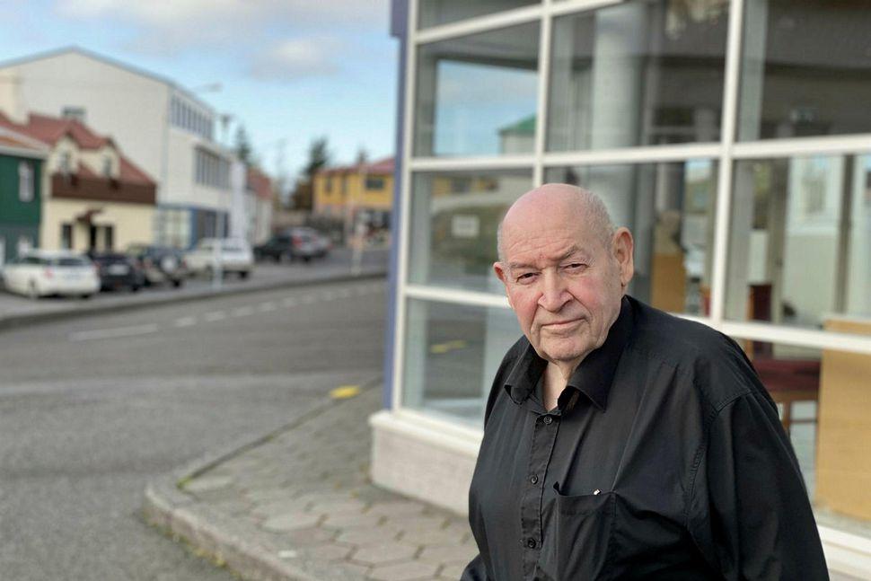 Pétur Geirsson keypti Hótel Borgarnes árið 1990.