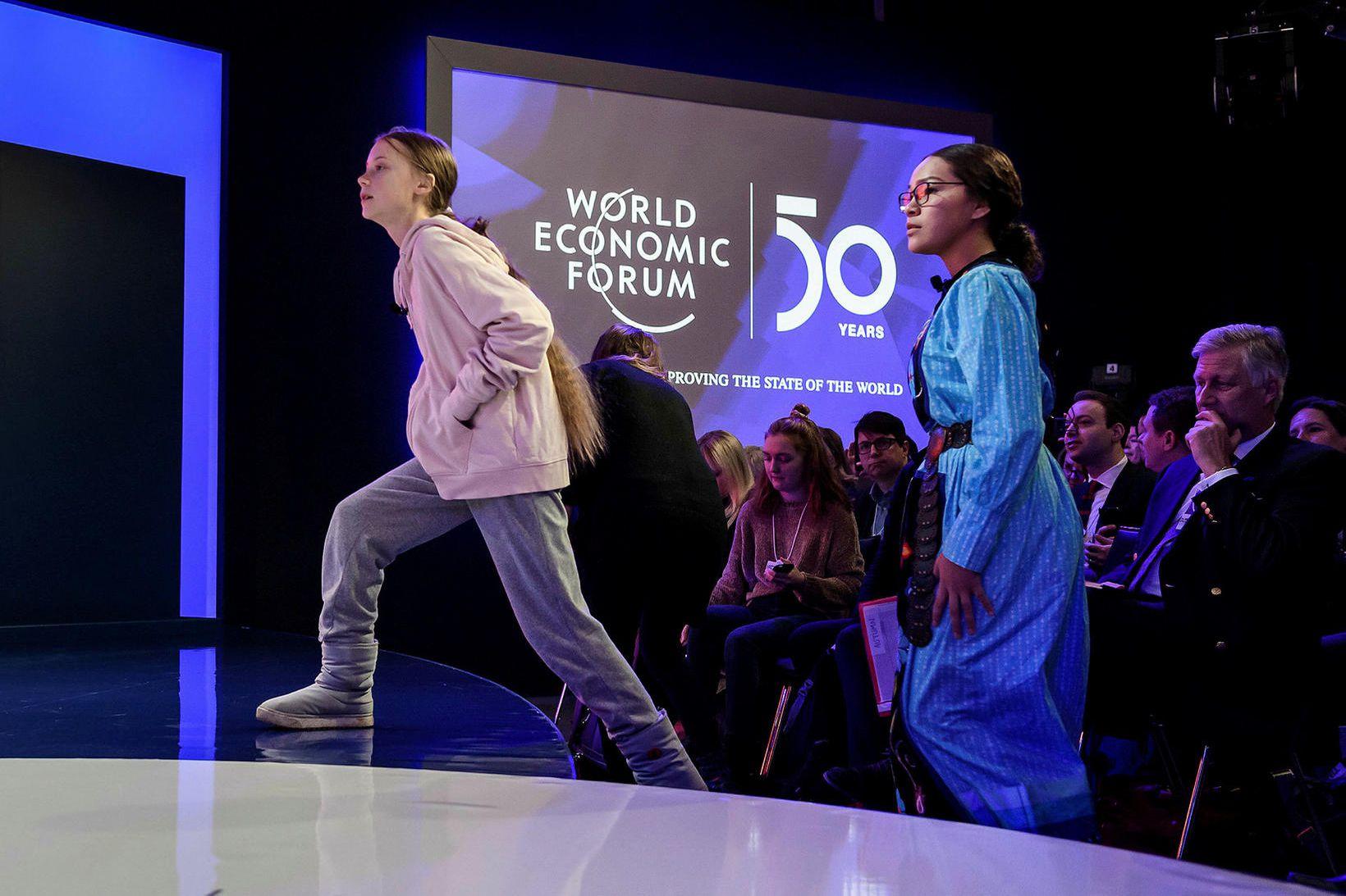 Tvær ungar baráttukonur. Greta Thunberg sem er frá Svíþjóð og …