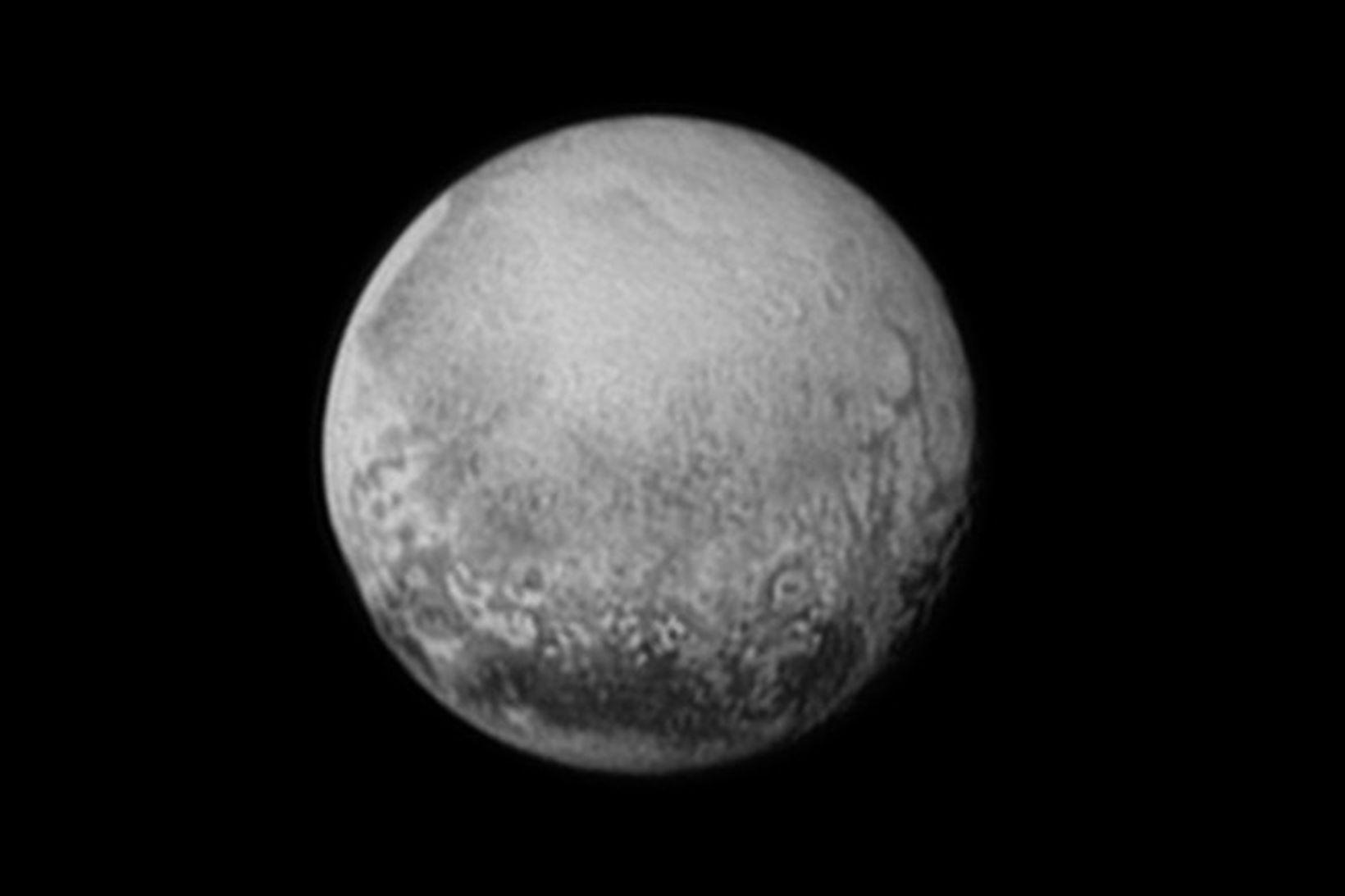 Mynd sem New Horizons tók af Plútó laugardaginn 11. júlí.
