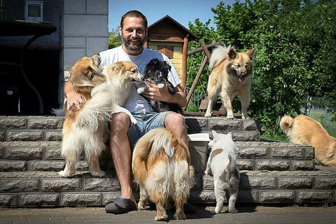 Mariusz Kopieccy, in good company in his backyard in Konin, Poland.