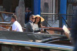 Clooney og Amal gift (MYNDIR)