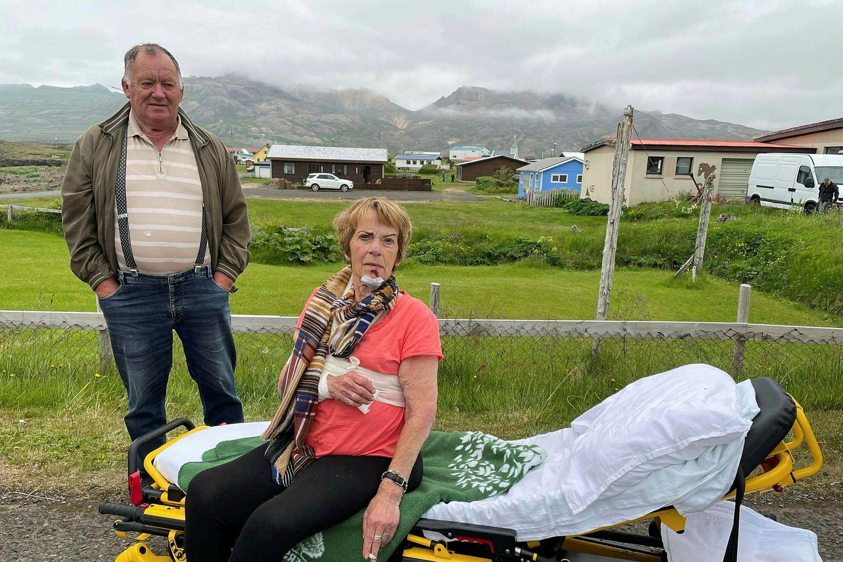 Guðný var flutt til aðhlynningar á HSA á Egilsstöðum.