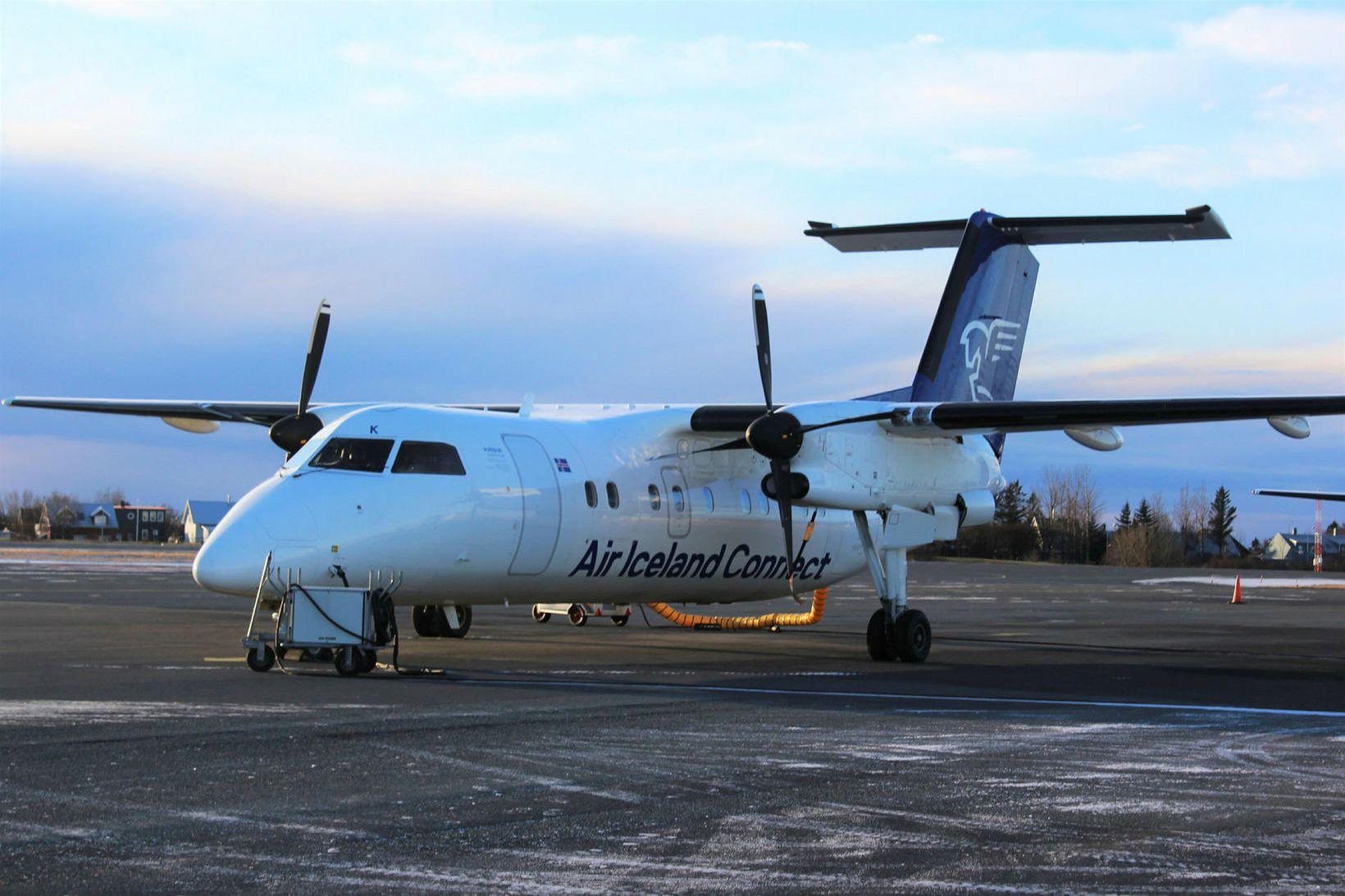 Til flugsins er notuð Bombardier Q200-flugvél.