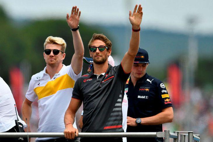 Á heiðurshring ökumanna, f.v. Nico Hülkenberg hjá Renault, Romain Grosjean á Haas og Max Verstappen ...