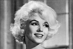 Marilyn Monroe við tökur á Somethings's Got To Give fáeinum vikum áður en hún lést.