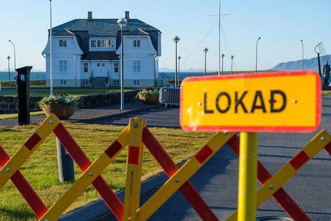 Höfði house, Reykjavík. LOKAÐ means CLOSED.