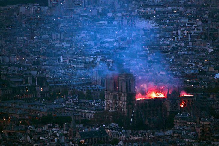 Hér má sjá kirkjuna frá Montparnasse í París.