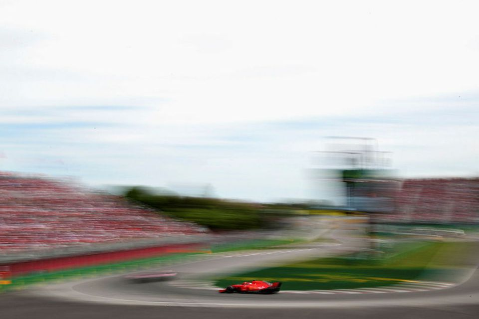 Sebastian Vettel á leið til sigurs í kappakstrinum í Montreal.
