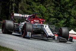 Kimi Räikkönen á Afla Romeo á fyrstu æfingunni í Austurríki.