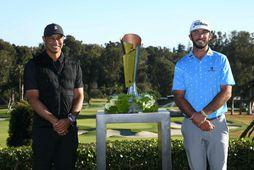 Tiger Woods veitti Max Homa verðlaunin á Genesis Invitational mótinu í Los Angeles á sunnudagskvöldið …
