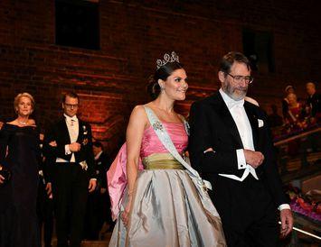 Victoría krónprinsessa klæddist kjól sem hún fékk úr fataskáp móður sinnar.