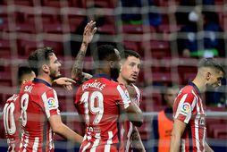 Leikmenn Atlético Madríd fagna einu af tveimur mörkum sínum í kvöld.